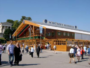 Schützenfesthalle Oktoberfest VGMeril  / pixelio.de